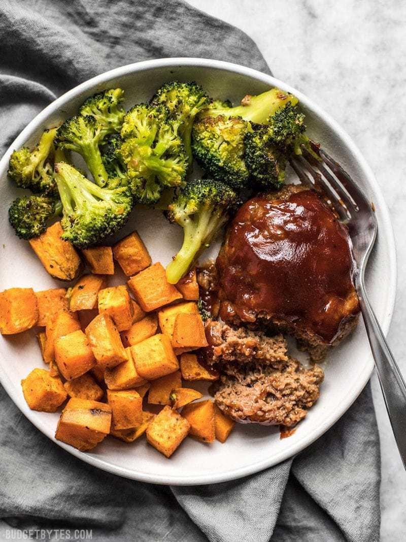 Sheet-Pan-BBQ-Meatloaf-Dinner-V2